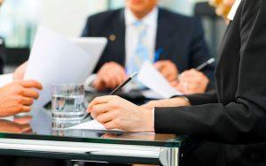 Как и кем рассматриваются споры между работником и работодателем