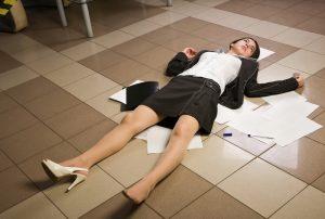 Как уволить сотрудника в связи со смертью и какой датой оформляется приказ